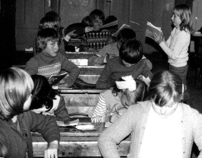 Uczniowie klasy czwartej - 1982 rok
